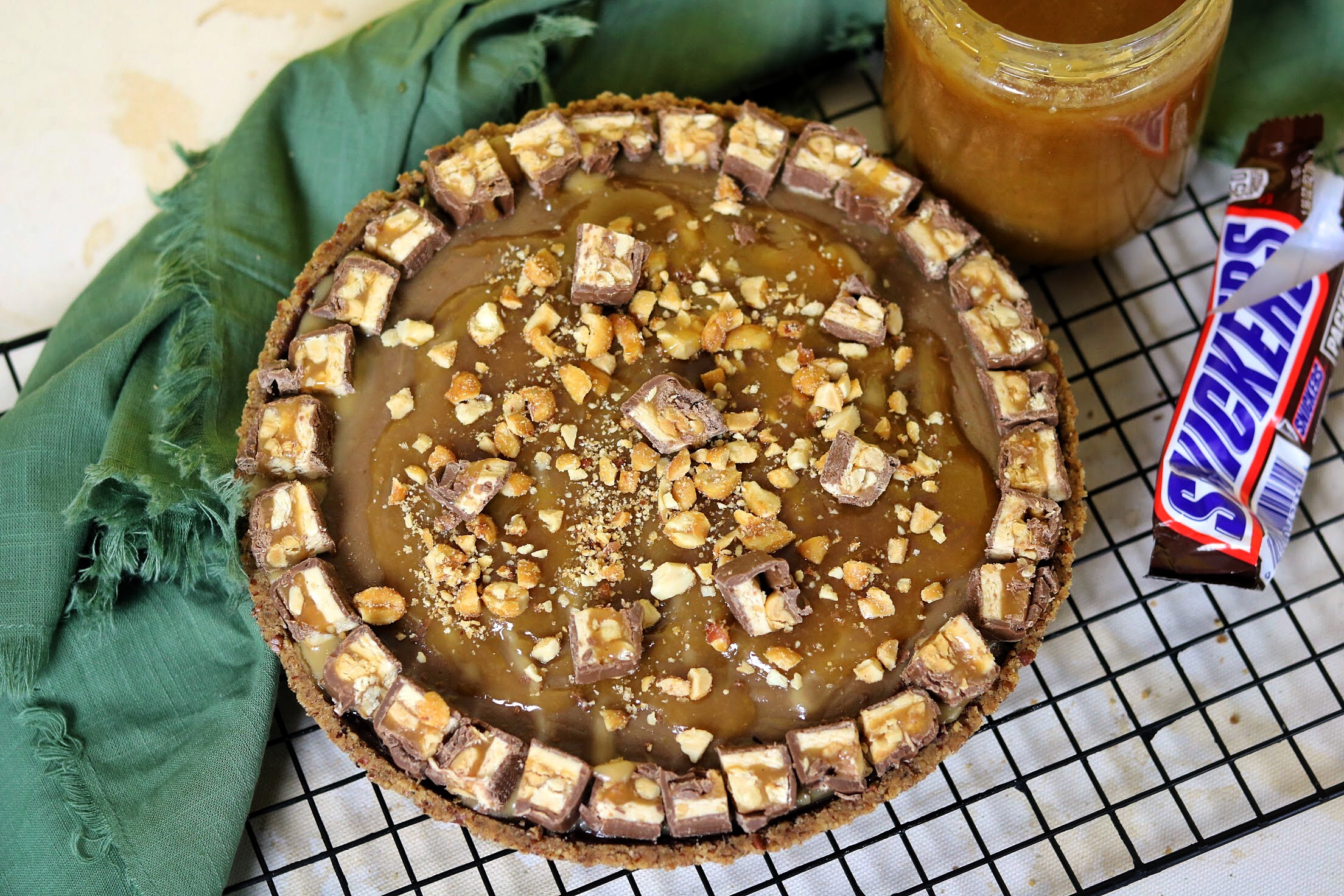Snickers Chocolate Pie